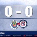 ¡Se mueve el balón en el Estadio Omnilife y comienza el partido entre la Máquina y @Chivas ! #LealtadAzul #CAFCEnVivo http://t.co/3cVOZ76DqX
