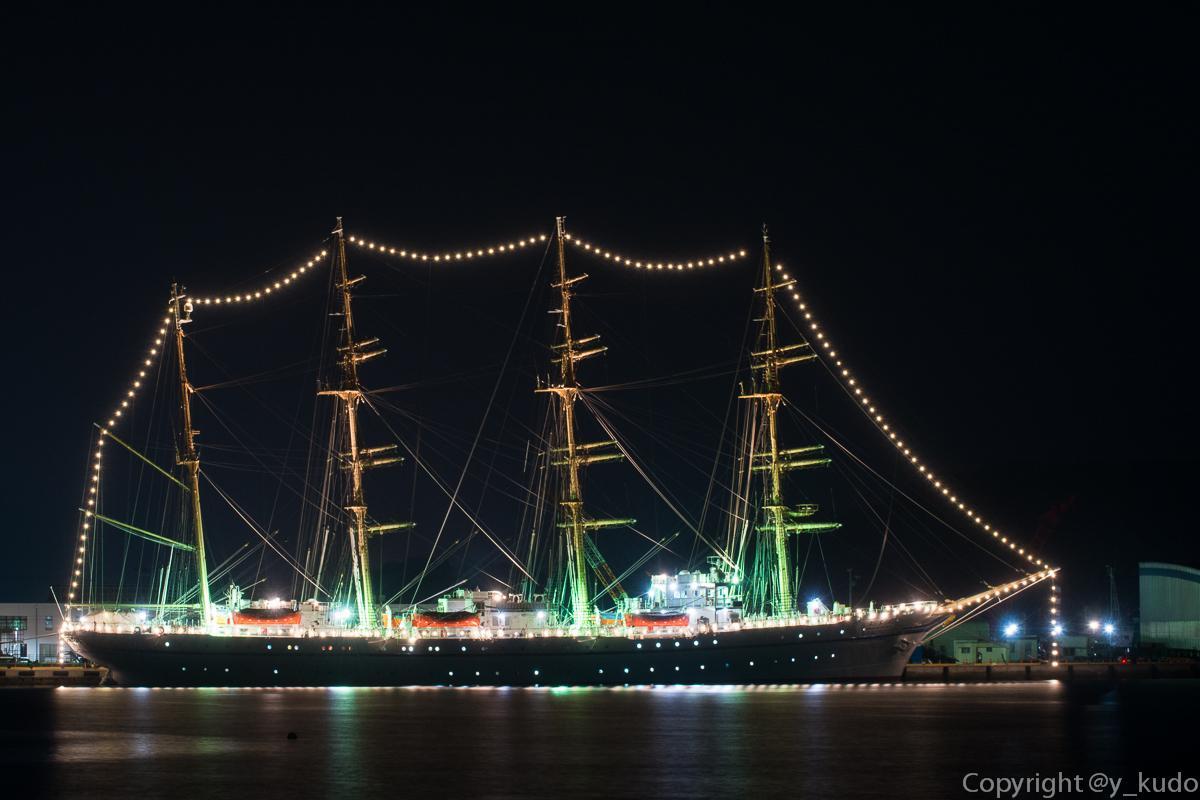 昨夜の宮古港、寄港中の帆船『日本丸』イルミネーション。現像処理を終えた画像を4枚(^^♪ #岩手 #宮古市 http://t.co/rw9Xx3ueGw