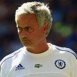 """@Arsenal2day: Jose Mourinho slams Arsene Wenger for 10-man behind the ball tactics http://t.co/2MAKA3FzjG http://t.co/hy0vm6ETyy""????"