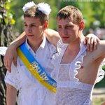 Виктор Воронов. Как схлынула грязная «пена» с Донбасса http://t.co/voJzeoU65o http://t.co/GIrGFO6c21