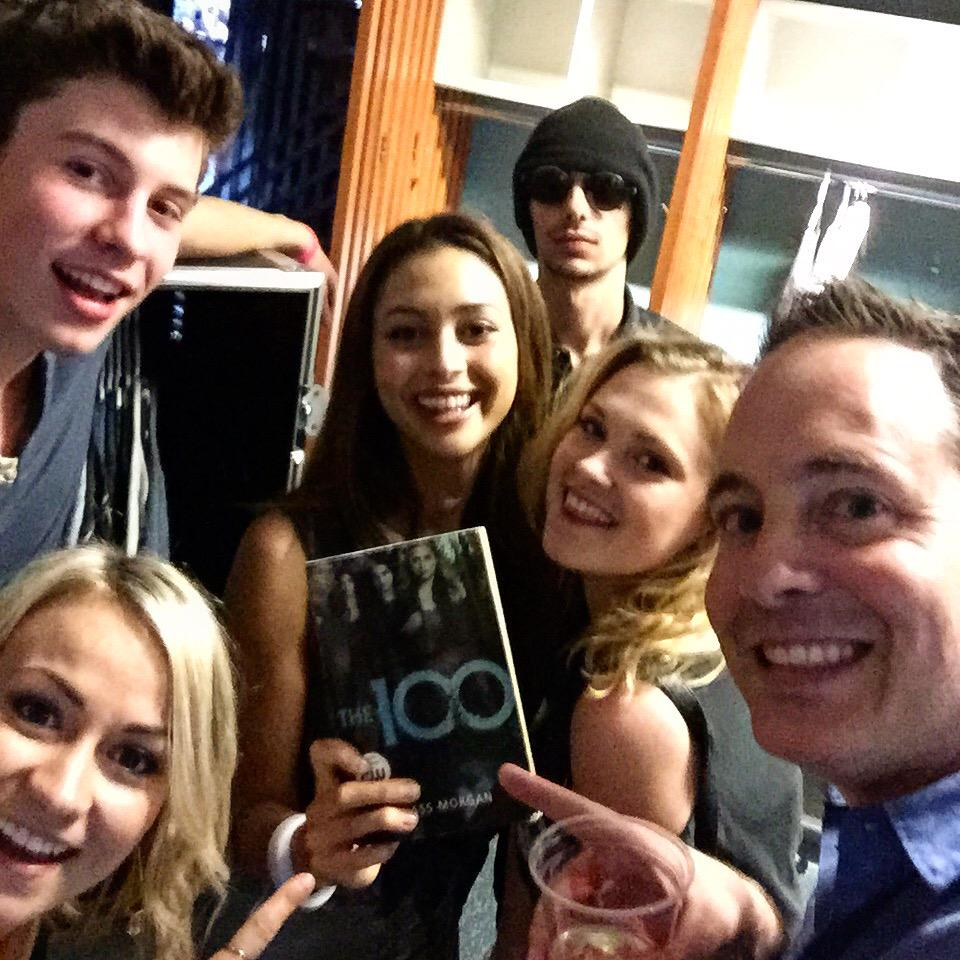 We found THIS BOOK backstage amongst @shawnmendes's tour gear. Talk about a true fan!   #The100 http://t.co/DmUud55hSr