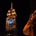 El Empire State de Nueva York, iluminado con animales en peligro de extinción http://t.co/2az3T1KI3R http://t.co/uXi1NkLv1v