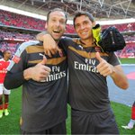 Another great day with @Arsenal at #Wembley! Incredible feeling with @PetrCech! ???????? #EM26 #AFC #CommunityShield http://t.co/eukOZlL3KK