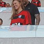 .@RondaRousey se rende ao @Flamengo! http://t.co/T15FvFA4Ao
