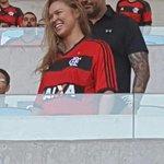 Ronda com a camisa rubro negra no Maracanã. http://t.co/8wtwhTYIGa