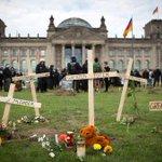 Los ataques xenófobos contra centros de solicitantes de asilo se disparan en Alemania http://t.co/iFjWZZhevv http://t.co/FSRNMbpd4K