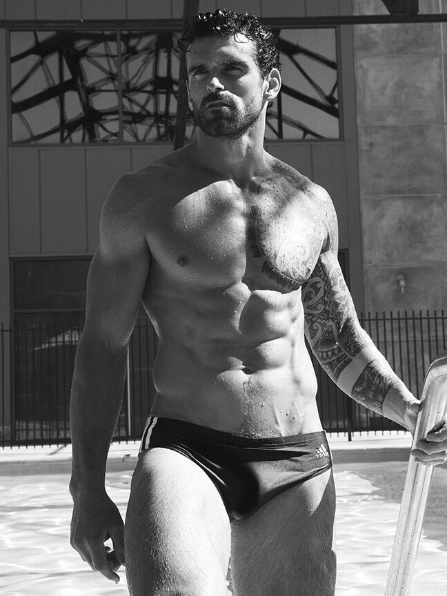 B&W shot by the very talented Scott Hoover @scotthoover1