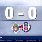 Terminan los primeros 45 minutos en el Estadio Omnilife, celestes y rojiblancos siguen 0-0. #LealtadAzul #CAFCEnVivo http://t.co/yp774nKIlw