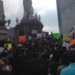 Aquí en la marcha en honra de los periodistas caídos. Ruben Espinosa se suma a la lista que crece inexorablemente. http://t.co/XmfKqLXfiZ