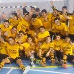 #PeñarolFutbolSala campeón de #CopaADT. Felicitamos a nuestro compañero y Presidente de Formativas (@fernandoportal) http://t.co/KPP9S0Lv86