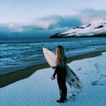 Surfs Up/Snow Day! How often can you say that? Taking it in this morning on a snowy Clifton Beach (Pic: Pat Fasnacht) http://t.co/NRyjL9UszE