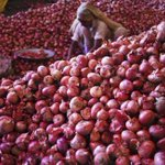 Onion prices up, govt to import 10,000 tonne http://t.co/d6svVDHkEj http://t.co/1UjZEwBWNP