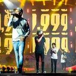 @NiallsNotes ellos se merecen lo mejor, siempre #MTVHottest One Direction http://t.co/XSC8Nznfbc