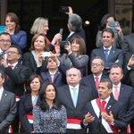 """O sea yo hablando como huevón #YLosMinistrosTomándoseUnSelfie. ¿Por qué nadie me respeta? —Ollanta Humala. http://t.co/RtoFzpAsW8"