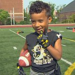 Pint-sized football star works out with @MaryLeeKING5 http://t.co/M7Hmc04B6p http://t.co/gtfn4n1Nuh