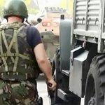 Полиция начала переговоры с блокированными боевиками в Нальчике Мы следим за ситуацией: http://t.co/9IRlt4bflW http://t.co/UQi5yAGPB0