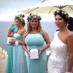 Анне Семенович бюст подарила Навка на свадьбу поносить. http://t.co/qSI2EOMZB0