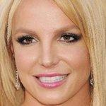Família de Britney Spears pensa em mantê-la sob tutela pelo resto da vida. http://t.co/jLKhsIQif8 http://t.co/h7cxd5jQPX