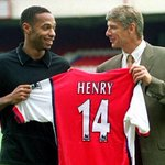 On this day in 1999, Arsenal signed Thierry Henry. He went onto become the clubs record goalscorer. What a player! http://t.co/r5jbhUhXZ3