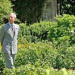 Prince Charles turns Highgrove into a Noahs Ark for apples with 1,000 different varieties: http://t.co/Bt0D0zAyTJ http://t.co/LcTCBdZYx1