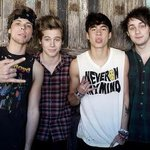 Were giving away a TRIP OVERSEAS TO SEE THESE BABES!!!!   8:15 tom well tell you WHERE!   #ShazamTop205SOSReveal http://t.co/h64q3QkVuT
