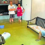 Monsoon floodwaters are driving residents out of plush homes in #Mumbai http://t.co/CRIM04BhrR @htTweets http://t.co/1zoJBXDzks