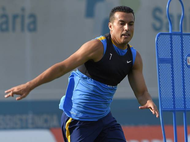 Van Gaal says the impact Pedro could make at Manchester United is huge http://t.co/SNGmNfDvx1 #MUFC http://t.co/DD0FsygAQu