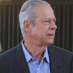 Ex-ministro José Dirceu é preso pela Lava Jato http://t.co/BmyywpKDbI http://t.co/RBqDreXLn8