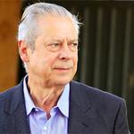 LAVA JATO: PF cumpre a 17ª fase da operação e prende o ex-ministro José Dirceu http://t.co/lT6aYCZLYj #G1 http://t.co/6d01I2tpLd