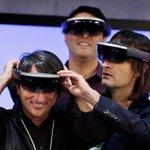 1 : Mettre le casque YoloLens. 2 : Toucher les couilles de vos adversaires pour les déstabiliser. 3 : Rire très fort. http://t.co/wjhP0ZF0F5