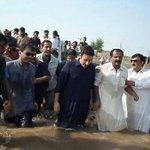 @InfoSecPPPP @MalirPPP_MCell @BBhuttoZardari PPP Chairman ne Sabit kardia ke who hamasha awam ke darmyan mujood ha http://t.co/k3CME6GwVN