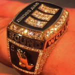 Drake made a custom championship ring and Twitter thinks its because he defeated Meek Mill: http://t.co/0M6127bJkl http://t.co/eiNBLdwT2c