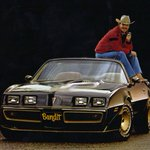 Burt Reynolds to raffle replica Trans Am from Smokey and the Bandit http://t.co/DS09dm2qlK http://t.co/YEcPrUSPdI