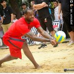 #Bearcats staff has offered to prep @KingJames for his @avpbeach debut. Lets see how many RTs it takes! @GoBEARCATS http://t.co/J3QzoFAah6