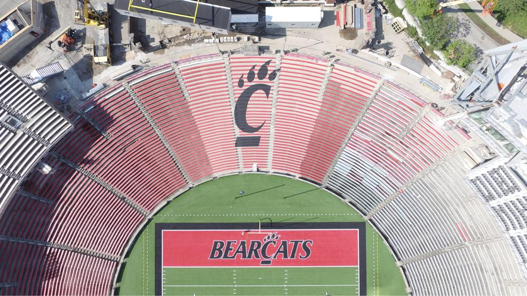 So the new C-Paw on the student section at Nippert looks pretty spectacular. #Bearcats http://t.co/KzTRkbCmHa