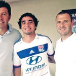 Official: Olympique Lyon have completed the signing of Rafael Da Silva from United on a 4-year deal. http://t.co/WudsAss0p9
