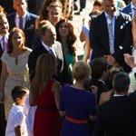 Свадьба Ж.Мендеша http://t.co/QLGJsTGvVP Проплаченная госдепом фигня,чтобы попытаться затмить свадьбу Навки и Пескова http://t.co/FWs2QhRNtq