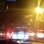 . @JenyBoni reporta que sigue el intenso tráfico en el puente de la Unidad Nacional, donde un auto se incendió http://t.co/wKKOZfZuWg