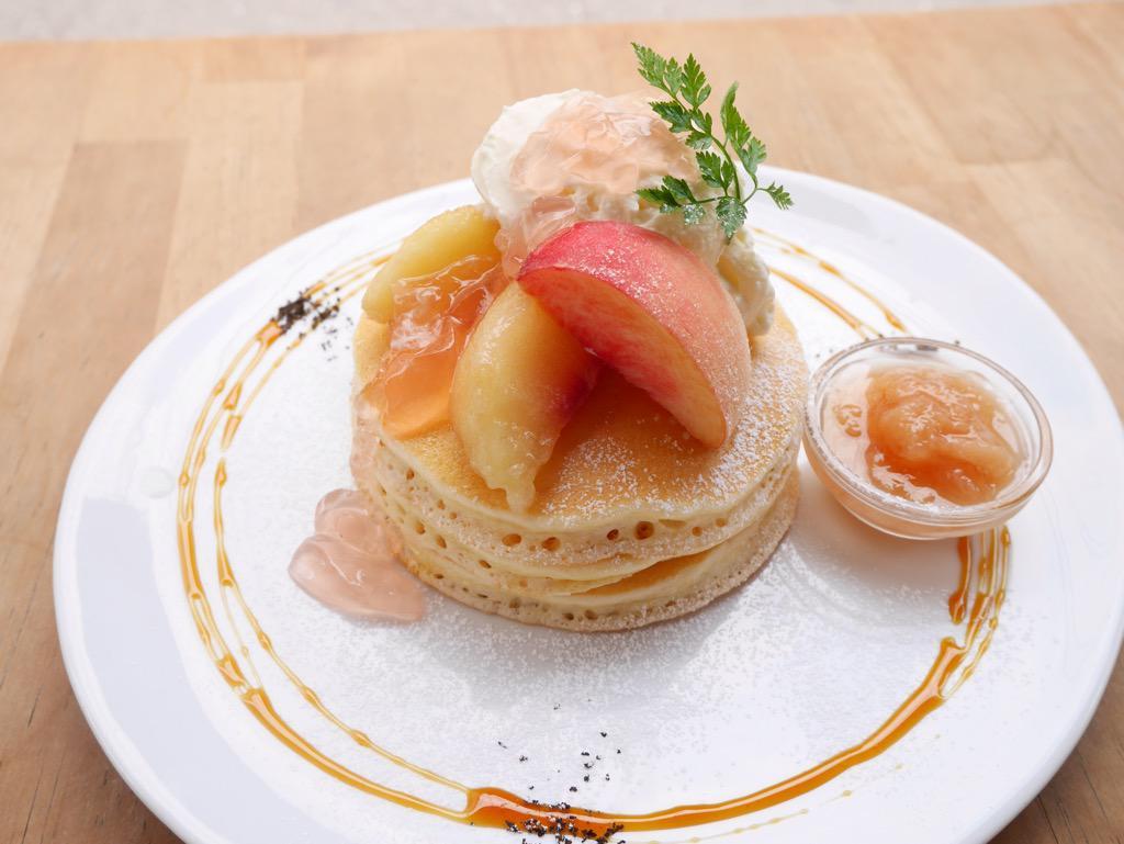 パンケーキママカフェVoiVoi三軒茶屋、 5日より桃のパンケーキが始まります! http://t.co/y000f3BVl3