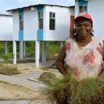 Mañana entregaremos 70 viviendas en el Reasentamiento Vainilla en Esmeraldas con @MashiRafael una maravillosa obra. http://t.co/RN5tn76CGv