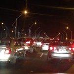 Carro incendiado en #puente de Unidad Nacional genera caos vehicular en #Guayaquil http://t.co/DLGTpoSF88