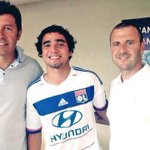 Rafael da Silva signed for Lyon on a 4-year contract from #mufc. Good luck, Rafa! http://t.co/aiX3w34F3g