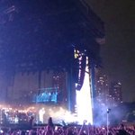 Florence And The Machine Electrifies At Lollapalooza, Lightning Storm And All http://t.co/E9Ukpwp1JY #chicago http://t.co/tTYIXcQ1Ho