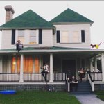 "Yap I like this video:) ""@Ashton5SOS: Do ya like the video ����❤️!!? #SKHMUSICVIDEO http://t.co/qRC7bXpUbf"""