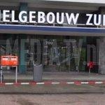 FOTO UPDATE Gewonde bij schietpartij in bedrijfsverzamelgebouw Zuid Strevelsweg Rotterdam : http://t.co/fY1F85ngfa http://t.co/Tv5D3PXW9r