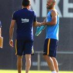 Mascherano, cuarto capitán del Barça. Piqué, el derrotado. http://t.co/uhELSpUzLw http://t.co/Za6ADLrELm