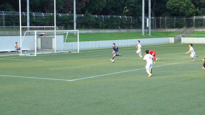 高校サッカー東京都 T2リーグ 試合終了 トリプレッタユース2-0大成高  後半、トリプレッタユース9番が一気に抜け出しGKまでかわすも、ゴールならず。 http://t.co/nWg3x8D99b