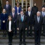 #PGE2016 La subida del Gobierno: - Rajoy +781 - S. Santamaría +735 - Ministros +690 - Parados - 22% http://t.co/KE74YOOohP