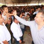 El DG de @Liconsa @hectorpablo_ anunció que en #Oaxaca el precio del litro de la leche fortificada seguira en $4.50 http://t.co/i5L8Zy6fTP