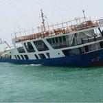نحمد الله على سلامة ركاب العبّارة المتجهه من شنة إلى مصيرة ونشكر جهود شرطة عمان السلطانية في عملية الانقاذ http://t.co/a9omKBVRwR
